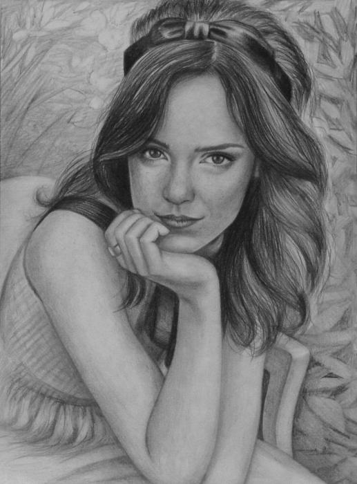 Emma Watson by whitelily
